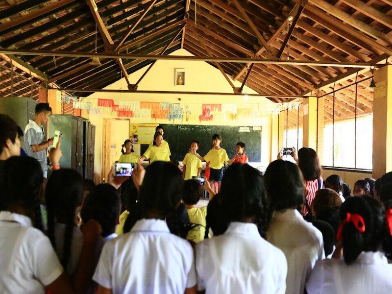 为斯里兰卡同学表演节目副本.jpg