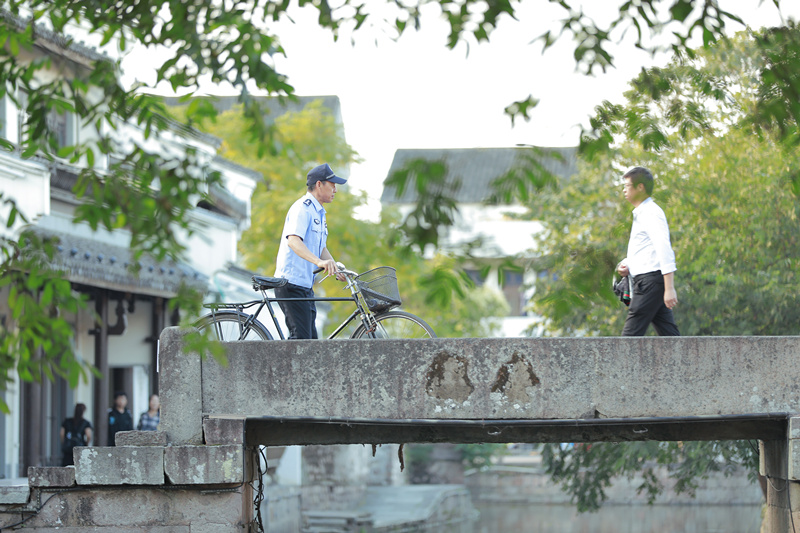 圖4劇組在鳴鶴古鎮取景.jpg